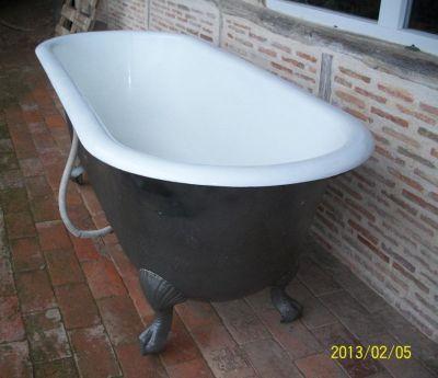 baignoire en fonte ancienne r nov e recycl e baignoire. Black Bedroom Furniture Sets. Home Design Ideas