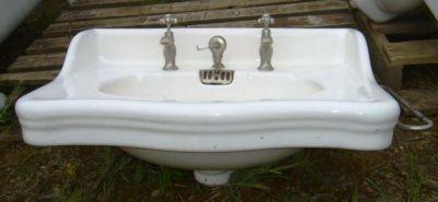 lavabo ancien ref 2 lavabo ancien stock important b chu mat riaux anciens radiateur en fonte. Black Bedroom Furniture Sets. Home Design Ideas